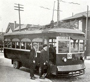 1923 trackless trolley